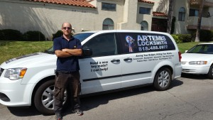 Northridge car keys locksmith