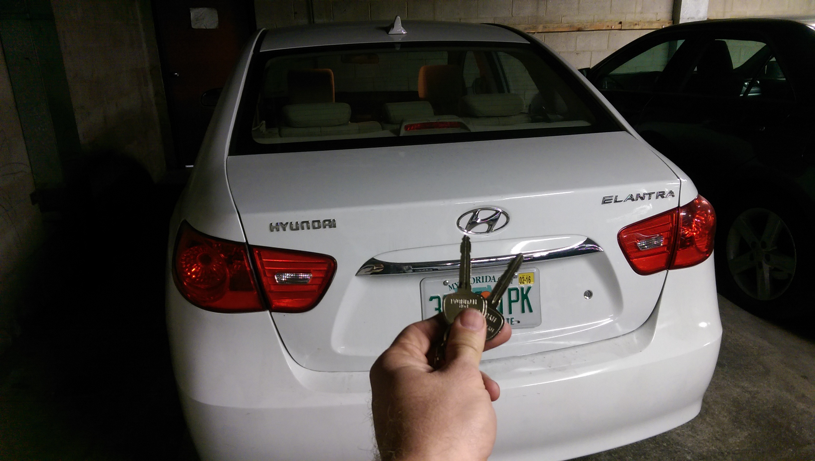 Hyundai Elantra car lock smith