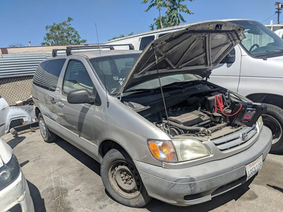 2001 Toyota Sienna Locksmith services in Van Nuys