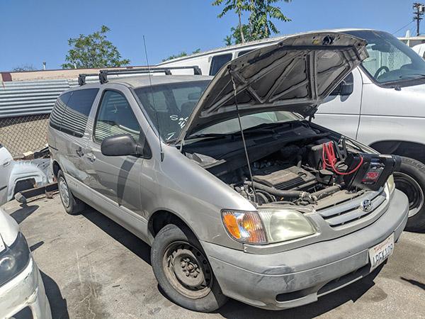 2001 Toyota Sienna Locksmith services in Van Nuys